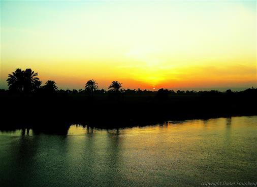Die letzten Sonnenstrahlen über den Nil