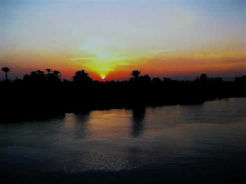 Die letzten Sonnenstrahlen über dem Nil