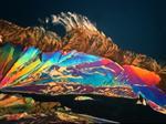 Weinsäure-Kristall im polarisierten Licht