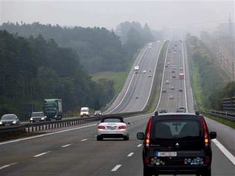 Autobahn A9 und ICE Trasse Richtung München