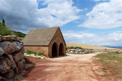 Der Mauren-Brunnen bei Villamayor de Monjardín