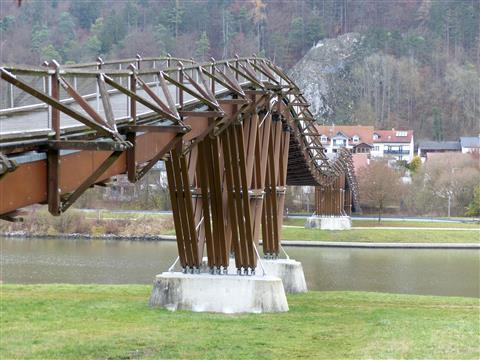 193 m längste Holzbrücke Europas bei Essing im Altmühltal