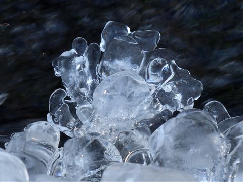 Natur-Eiskunstwerk