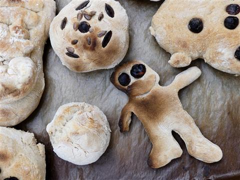 von Kindern gebacken