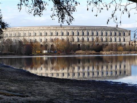 Nürnberg Reichsparteitag Spiegelung