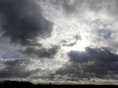 gewaltiger Wolkenhimmel über dem oberen Altmühltal