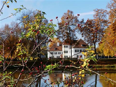 Triesdorf Weißes Schloss-wie Dornröschen
