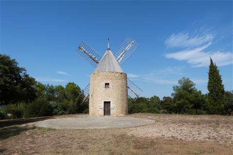 Windmühle /Moulin à Vent)