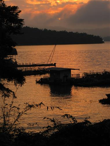 Sonnenuntergang am Sun Moon Lake