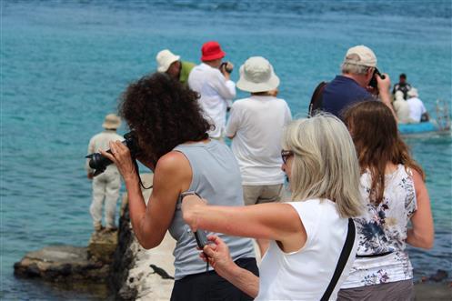 Typische Körperhaltung der Besucher von Galapagos