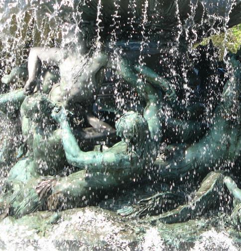 Springendes Wasser, tanzende Steine