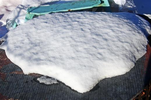 Schneefläche auf runden Tisch ....