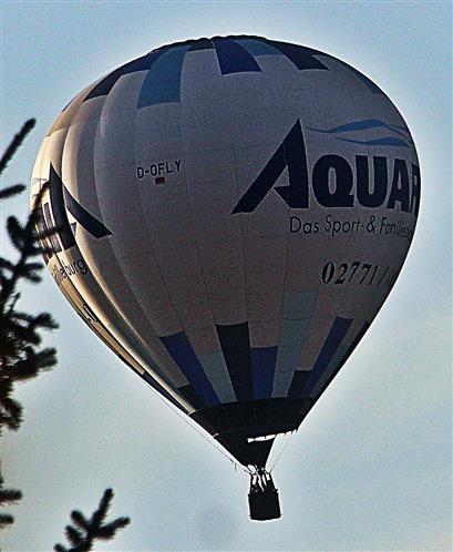 Heißluftballon Schwimmbad Dillenburg