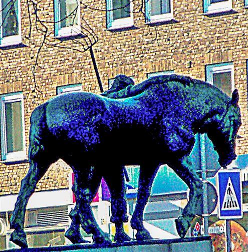 Statue Landwirt mit Ackergaul