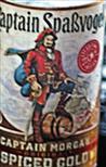 Etikette einer Rumflasche - zurückgelassen an einer