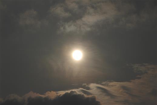 Sonne mit Schleierwolke