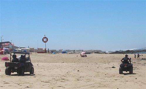 Strandpatrouille am bewachten Strand