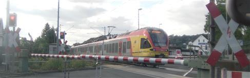 Beschrankter Bahnübergang in Dillenburg