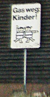 Warnschild vor Kindern unterwegs in Kernbach