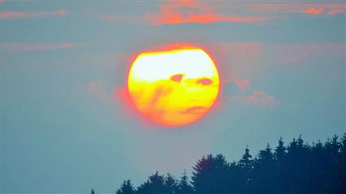 Die Sonne schaut uns zu